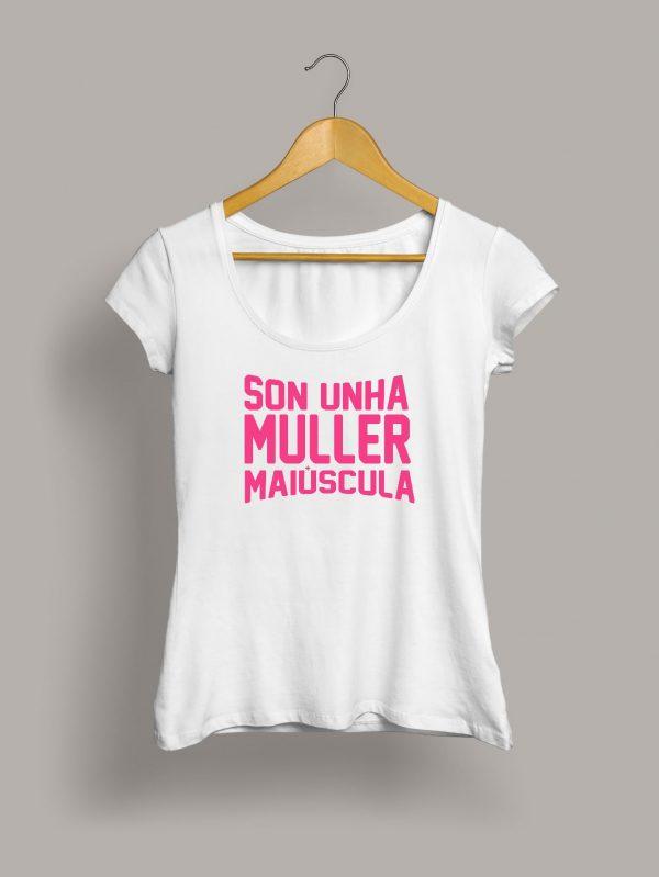 camiseta-son-unha-muller-maiuscula