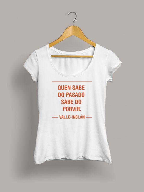 camiseta-chica-quen-sabe-do-pasado